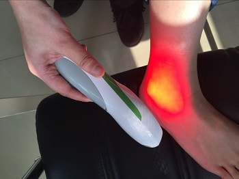 red light therapy hand held device for wounds
